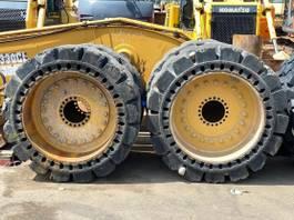 wheel loader Caterpillar Vollgummireifen für CAT 950K / 950M 23,5 x 25