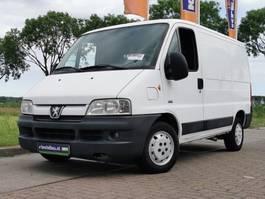 closed lcv Peugeot 2006
