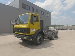 chassis cab truck Mercedes-Benz SK 2225 (SUSPENSION LAMES / V8 MOTEUR / 6X4 / POMPE ET BOITE MANUELLE) 1988