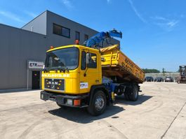 tipper truck > 7.5 t MAN 18.192 (STEEL SUSPENSION / 6 CYLINDER ENGINE WITH MANUAL PUMP / CRANE) 1995