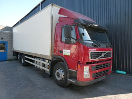 closed box truck Volvo FM 6x2  520000 km 2010