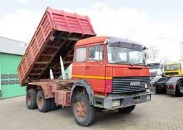 tipper truck > 7.5 t Iveco Turbostar 350  6x4,   Steel Dumper,  Big AXELS, 10 tyres 1981
