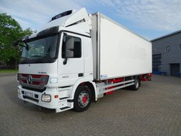 refrigerated truck Mercedes-Benz / AUTOMATIC / LOW KM / CARRIER / EURO-5 / 2011 2011