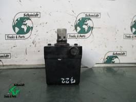 Hydraulic system truck part Renault 5010316404 KANTELPOMP