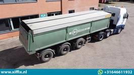 tipper semi trailer Bulthuis Multifunctionele wegenbouw kipper // 2x gestuurd 2004