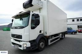 closed box truck Volvo FL thermo truck w / 2 temp zone & lift. 2012