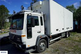 closed box truck Volvo FL box truck w / lift & full side opening 1997
