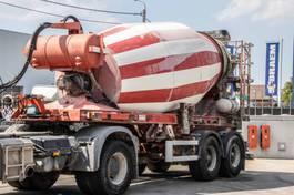 concrete mixer semi trailer Liebherr BETON MIXER - 10M³ 2004