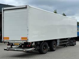 closed box semi trailer spier GESLOTEN OPBOUW / STUUR-AS 1997