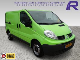 closed lcv Renault 2.0 dCi T27 L1H1 AIRCO 3 ZITS CRUISE CONTROL PDC 2014