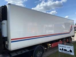 closed box semi trailer Krone 27 pallers kølekasse - lift 2009