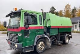 vacuum truck Volvo FL 6 cleaner 4x2 year 1999