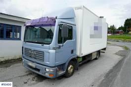 box truck MAN TGL 8 4x2 Box truck w/ lift 2005