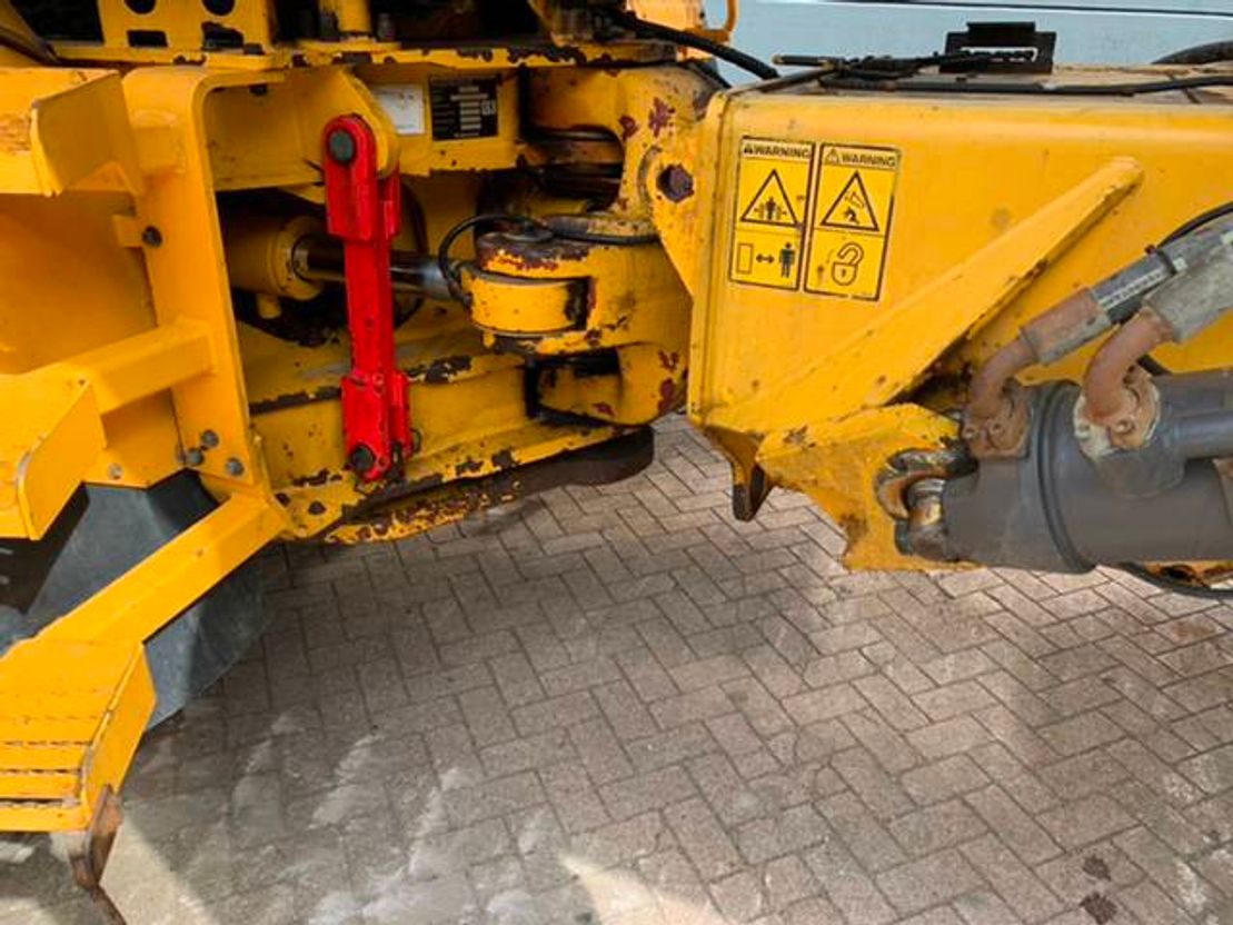 articulated dump truck Volvo A40D with Matris, good tyres 2006