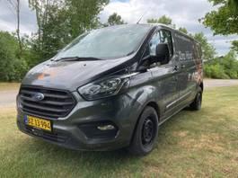closed lcv Ford Ford Transit Custom Van
