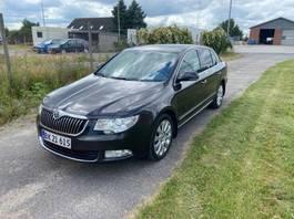 sedan car Škoda Skoda Superb 4*2