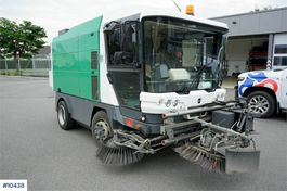 Road sweeper truck Ravo 540 sweeper car with few hours. 2007