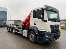container truck MAN New Generation 35.470 8x4-4 BL-NN HMF 1x 3220K5 & 1x 3220K5 met fly-jib beide + containerhaak 2022