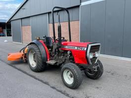 vineyard tractor Massey Ferguson 374V