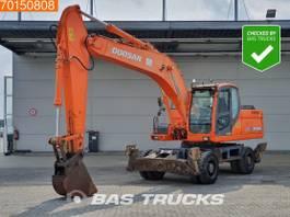 wheeled excavator Doosan DX210W 4x OUTRIGGERS - STABILISERS 2009