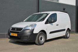 closed lcv Peugeot 122 1.6 BlueHDi Automaat - Airco - Cruise - PDC - € 7.750,- Ex. 2017