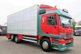 livestock truck Mercedes-Benz ACTROS 2543L  6x2 BERDEX 3  lagen beweegbare opbouw /laadlift  (APK tot 04/02/2022!) 1998