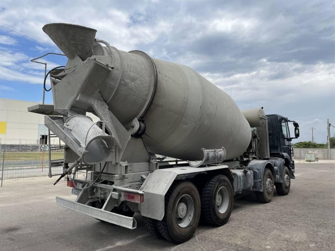 Betonmischer-LKW Iveco Trakker 410 Liebherr 10 m3