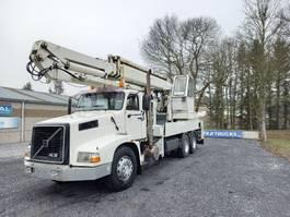crane truck Volvo NH 12 NL12 420 6x4 avec grue 60t/m 1991
