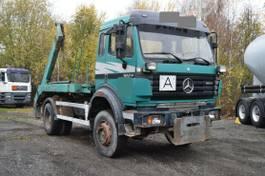 container truck Mercedes-Benz 1824 AK 4x4 Absetzk. Euro2 Meiller Blatt Blatt 1999