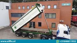 tipper semi trailer Bulthuis Multifunctionele wegenbouw kipper // 2x gestuurd 2007