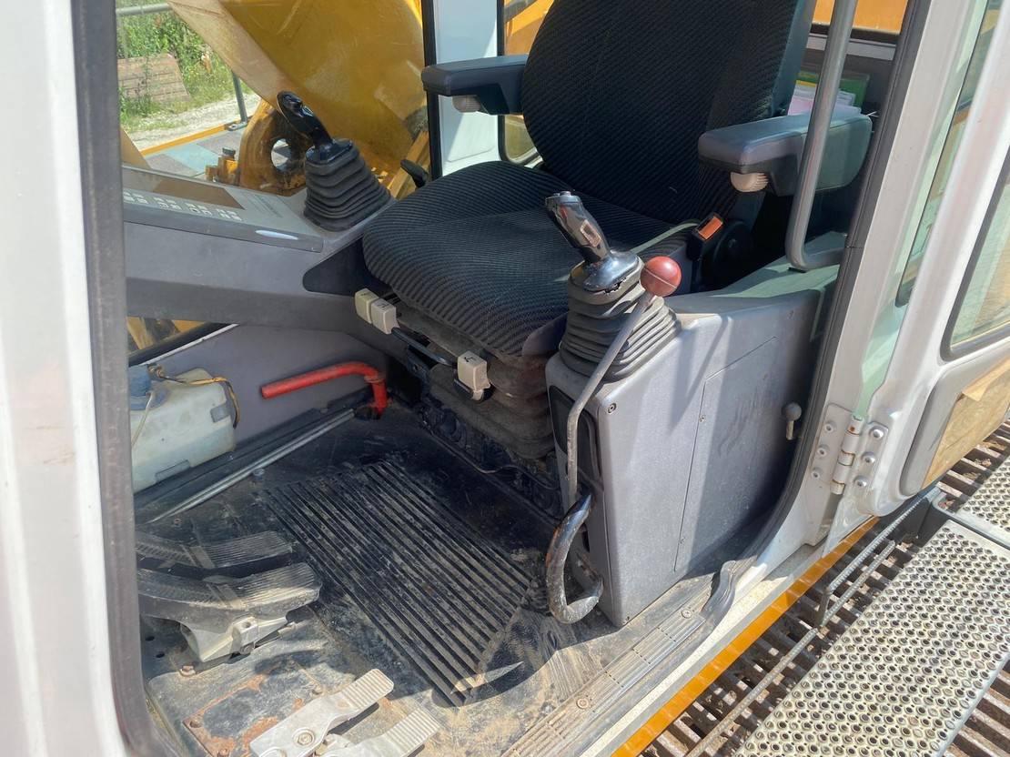 crawler excavator Liebherr R 912 HDS 1995