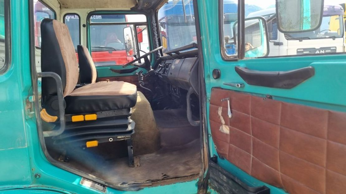 tipper truck MAN 26.281 MEILLER TIPPER 1983