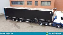semi lowloader semi trailer Carnehl 3-ass. Semi dieplader met huifopbouw // Hydr. verhoogbaar 1996