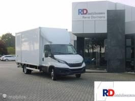 Koffer transporter Iveco 35-180 / 35C18 met gesloten laadbak + laadklep EURO 6D AHW gewicht 3500 kg 2021
