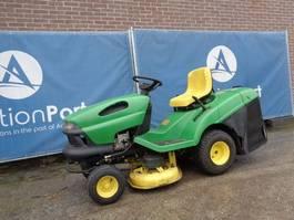 ride-on mower John Deere LT135 2000