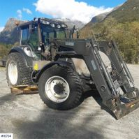 farm tractor Valtra T190 w / loader, two sets of tires, underlying bla 2005
