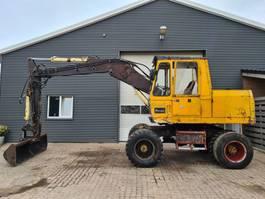 wheeled excavator Liebherr 901