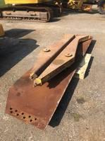 articulated dump truck Caterpillar 740