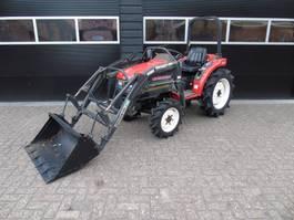 farm tractor Mitsubishi MT 221 met voorlader en stuurbekrachtiging