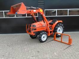 farm tractor Kubota Saturn X20 met voorlader stuurbekrachtiging