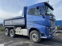 tipper truck Volvo FH 16 650 6x4 tandem tipper truck with 98,000 km 2017