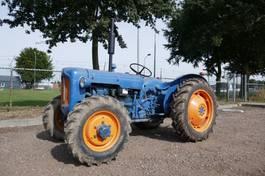 oldtimer tractor Ford Fordson Dexta 4 WD 1962