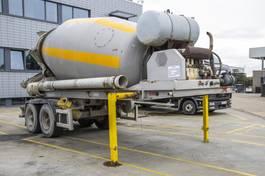 concrete mixer semi trailer Liebherr BETON MIXER 10M3+ HULPMOTOR /MOTEUR AUX. 1999