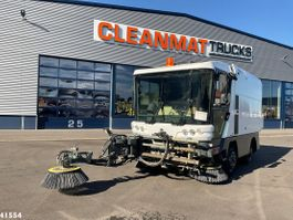 Road sweeper truck Ravo 540 with 3-rd brush + High pressure pump 2008