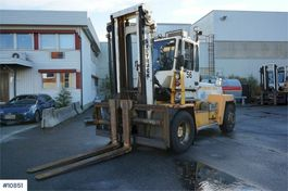 forklift Svetruck 15 120-35 Truck with central grease and weight. 2004