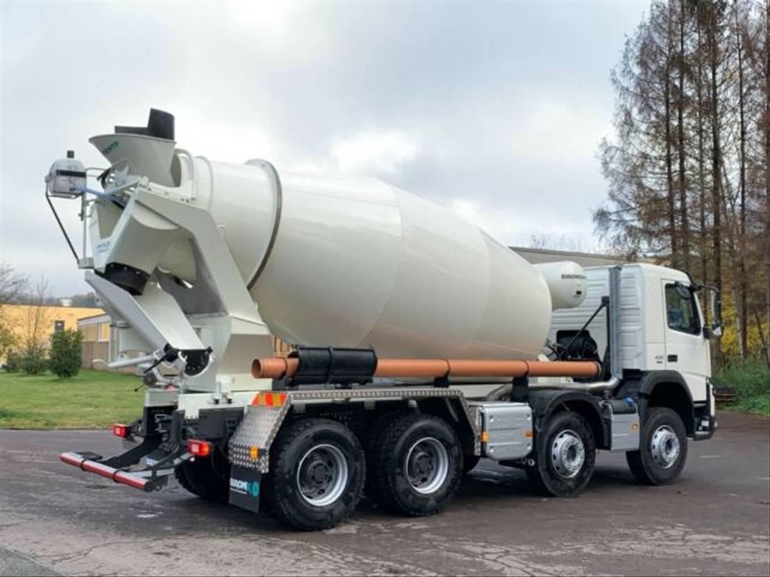 Betonmischer-LKW Volvo 430 8x4 / EuroMix MTP 9 L