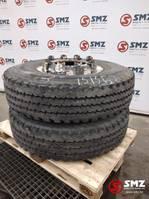 tyres truck part Pirelli Occ Band 12.00R20 Pirelli FG85 Trilex velg