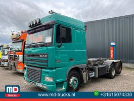 container truck DAF XF 95 6x2 manual 10 wheeler 2000