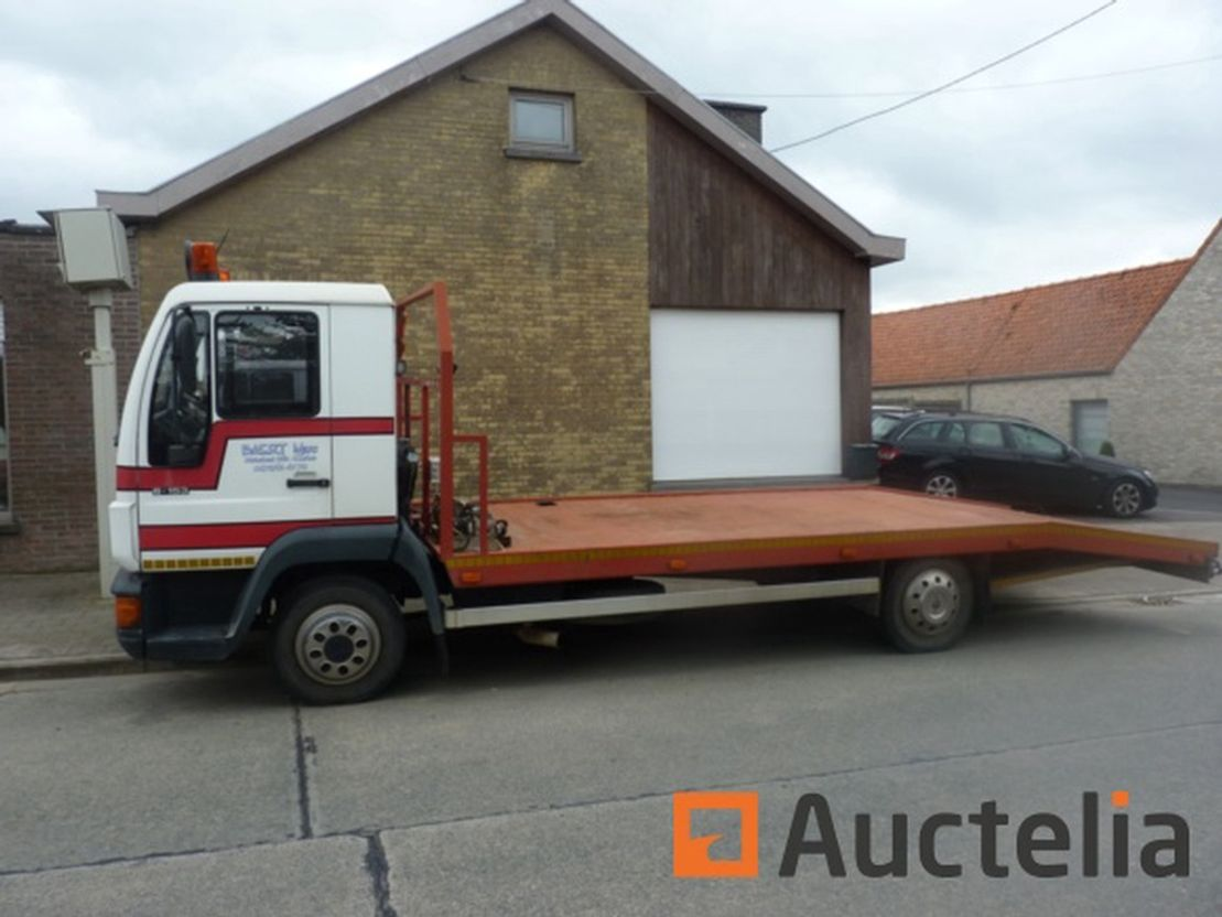 tow-recovery truck MAN 6.153