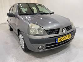 other passenger car Renault 5-Drs 1.2-16V Dynamique Airco 2003